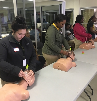 CNA Students Work on Skills