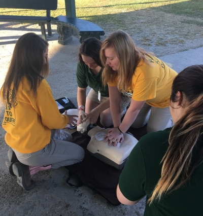 LHS Emergency Medical Technician Students Learn CPR Procedures